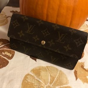 Louis Vuitton Bags - Authenticity Louis Vuitton Wallet